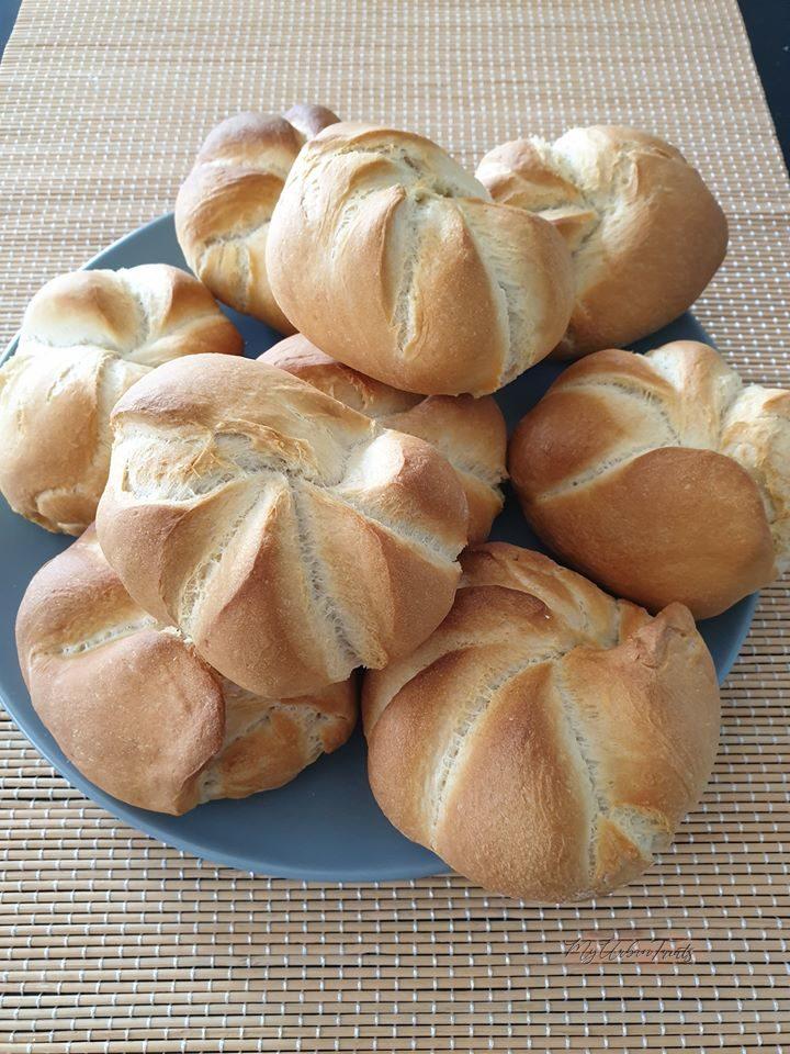 Austrian Style Bread Rolls – Kaisersemmel